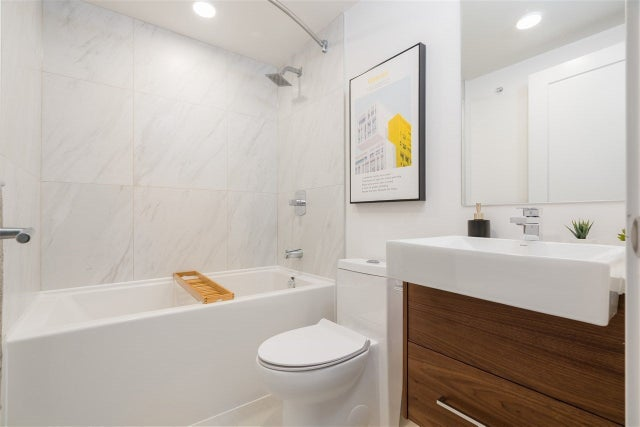 26 720 E 3RD STREET - Queensbury Townhouse for sale, 3 Bedrooms (R2562763) #14