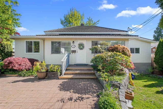 461 LYON PLACE - Central Lonsdale House/Single Family for sale, 4 Bedrooms (R2583868) #1