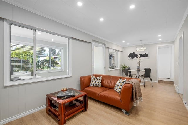 461 LYON PLACE - Central Lonsdale House/Single Family for sale, 4 Bedrooms (R2583868) #2