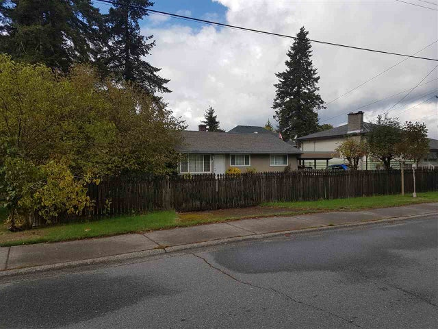 8737 154A STREET - Fleetwood Tynehead House/Single Family for sale, 3 Bedrooms (R2213068) #1