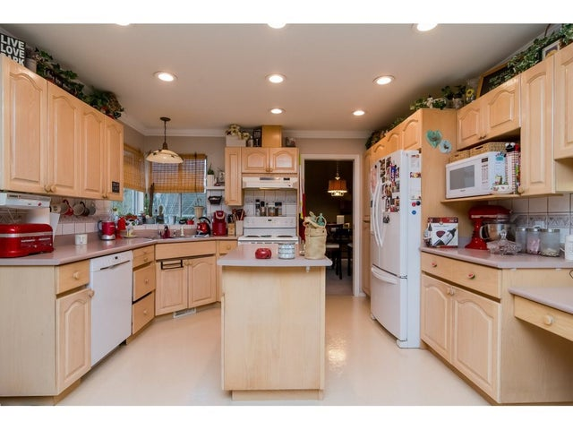 15396 81 AVENUE - Fleetwood Tynehead House/Single Family for sale, 5 Bedrooms (R2231300) #9