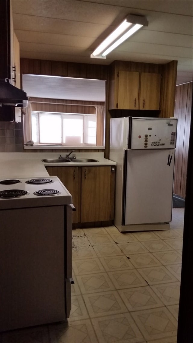 200 1840 160TH STREET - King George Corridor Manufactured for sale, 2 Bedrooms (R2257005) #2