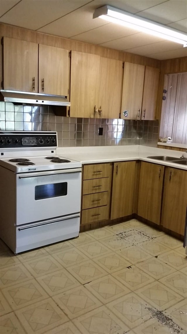 200 1840 160TH STREET - King George Corridor Manufactured for sale, 2 Bedrooms (R2257005) #3