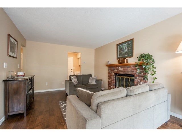 15428 94 AVENUE - Fleetwood Tynehead House/Single Family for sale, 3 Bedrooms (R2456129) #9