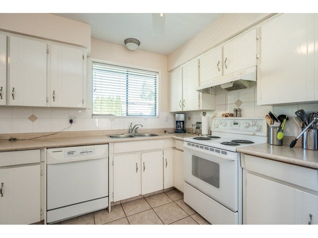 15481 85A AVENUE - Fleetwood Tynehead House/Single Family for sale, 3 Bedrooms (R2568184) #13