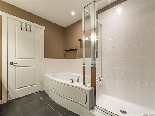301 330 Waterfront Cres - Vi Rock Bay Condo Apartment for sale, 2 Bedrooms (372254) #10