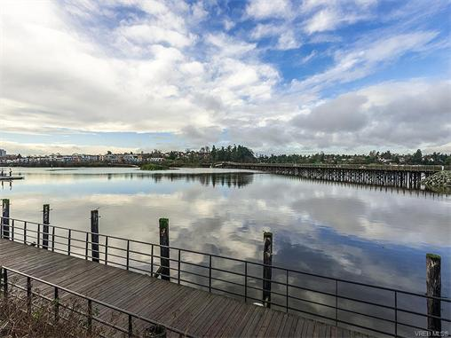 301 330 Waterfront Cres - Vi Rock Bay Condo Apartment for sale, 2 Bedrooms (372254) #17