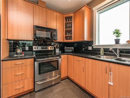 301 330 Waterfront Cres - Vi Rock Bay Condo Apartment for sale, 2 Bedrooms (372254) #4