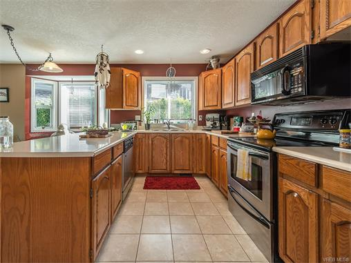 2294 Nicki Pl - La Thetis Heights Single Family Detached for sale, 5 Bedrooms (373043) #6