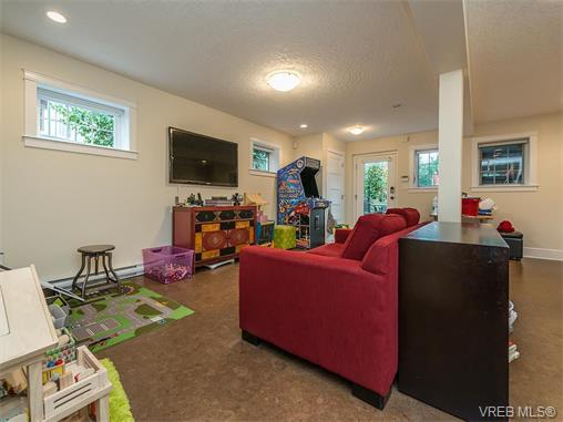 2213 Windsor Rd - OB South Oak Bay Single Family Detached for sale, 4 Bedrooms (373097) #12