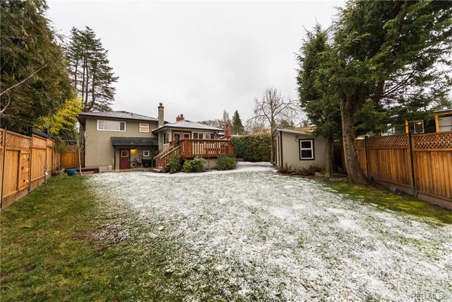 3910 Ansell Rd - SE Mt Tolmie Single Family Detached for sale, 4 Bedrooms (373842) #18