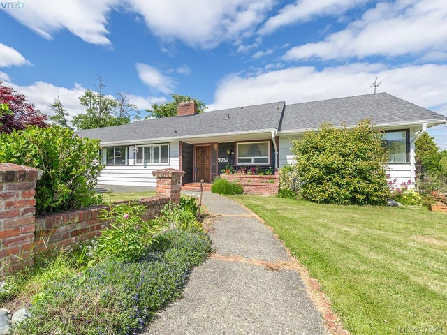 3752 Waring Pl - SE Cadboro Bay Single Family Detached for sale, 4 Bedrooms (378968) #17