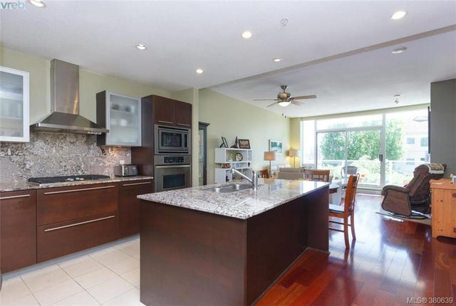 109 68 Songhees Rd - VW Songhees Condo Apartment for sale, 2 Bedrooms (380639) #8