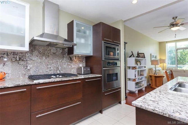109 68 Songhees Rd - VW Songhees Condo Apartment for sale, 2 Bedrooms (380639) #9