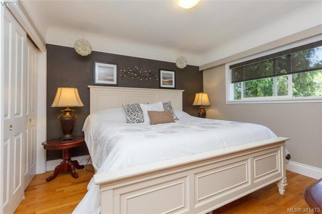 1327 Slater St - Vi Mayfair Single Family Detached for sale, 5 Bedrooms (381473) #8