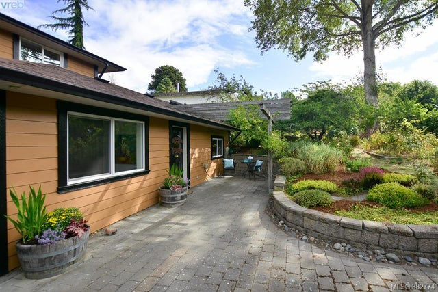 426 Raynor Ave - VW Victoria West Half Duplex for sale, 2 Bedrooms (382774) #1