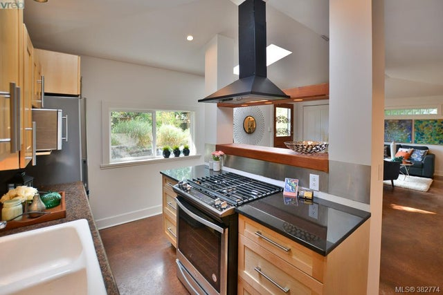426 Raynor Ave - VW Victoria West Half Duplex for sale, 2 Bedrooms (382774) #2