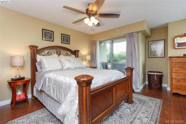 105 27 Songhees Rd - VW Songhees Condo Apartment for sale, 3 Bedrooms (382995) #11