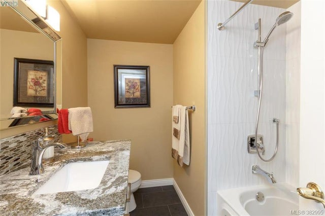 105 27 Songhees Rd - VW Songhees Condo Apartment for sale, 3 Bedrooms (382995) #12