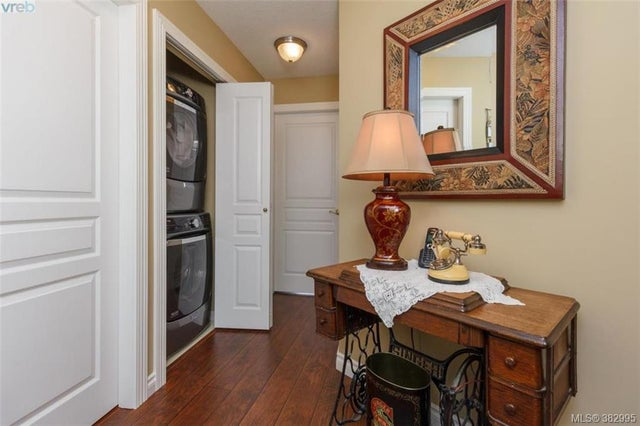 105 27 Songhees Rd - VW Songhees Condo Apartment for sale, 3 Bedrooms (382995) #16