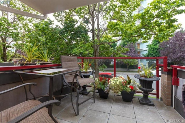 105 27 Songhees Rd - VW Songhees Condo Apartment for sale, 3 Bedrooms (382995) #17
