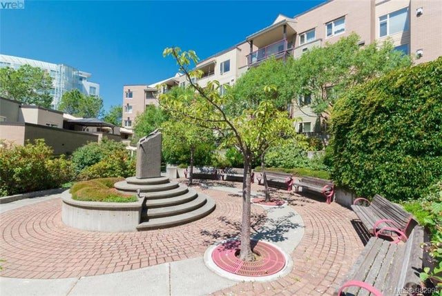 105 27 Songhees Rd - VW Songhees Condo Apartment for sale, 3 Bedrooms (382995) #18