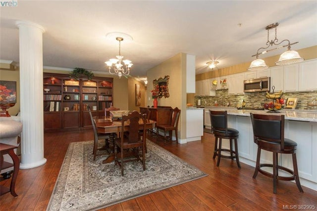 105 27 Songhees Rd - VW Songhees Condo Apartment for sale, 3 Bedrooms (382995) #2
