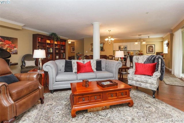 105 27 Songhees Rd - VW Songhees Condo Apartment for sale, 3 Bedrooms (382995) #3