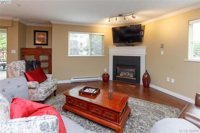 105 27 Songhees Rd - VW Songhees Condo Apartment for sale, 3 Bedrooms (382995) #4