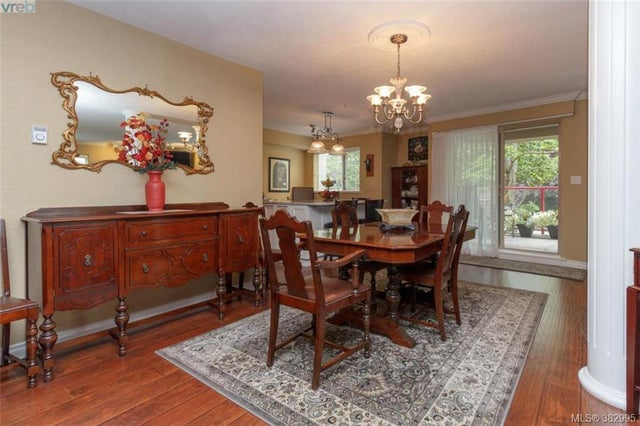 105 27 Songhees Rd - VW Songhees Condo Apartment for sale, 3 Bedrooms (382995) #5