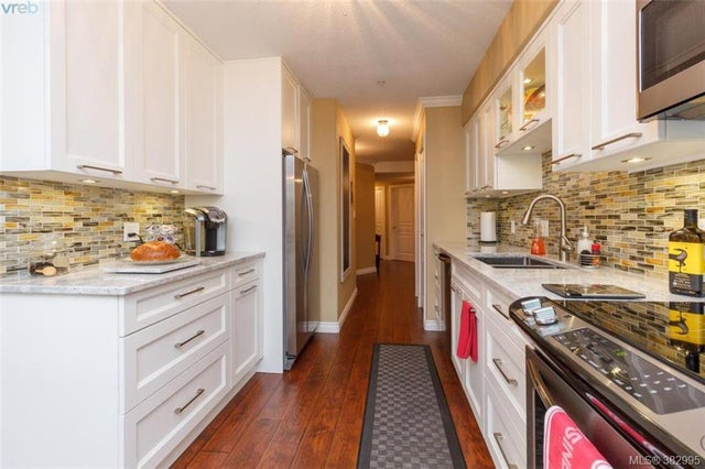 105 27 Songhees Rd - VW Songhees Condo Apartment for sale, 3 Bedrooms (382995) #8