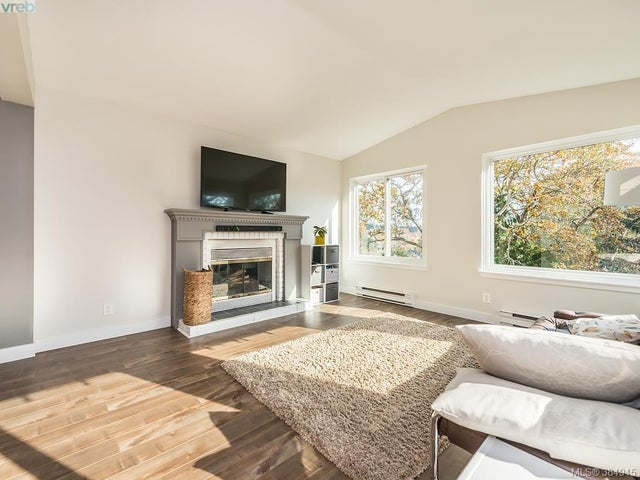 1182 Glen Tara Lane - SW Strawberry Vale Single Family Detached for sale, 3 Bedrooms (384945) #3