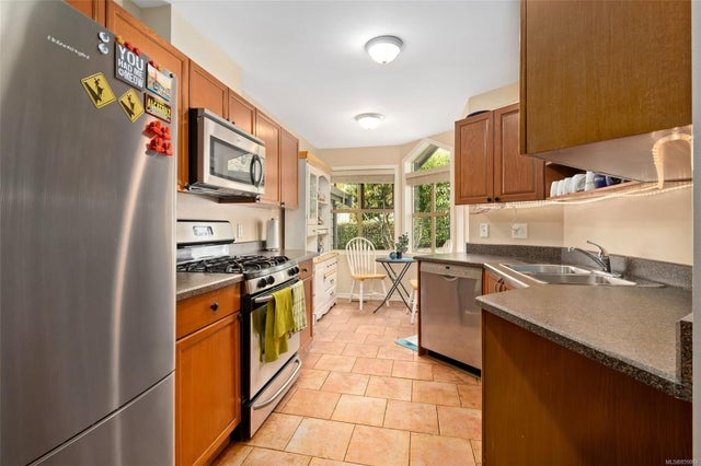 6 500 Marsett Pl - SW Royal Oak Row/Townhouse for sale, 3 Bedrooms (859069) #13
