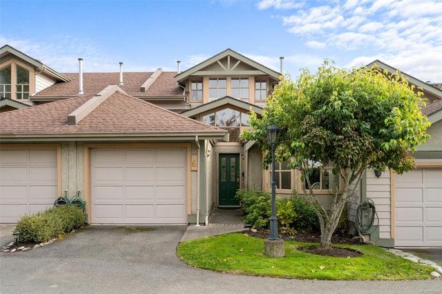 6 500 Marsett Pl - SW Royal Oak Row/Townhouse for sale, 3 Bedrooms (859069) #1