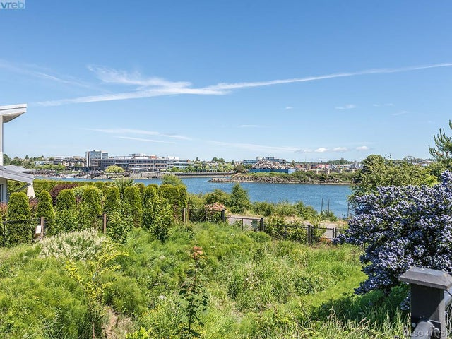 11 785 Central Spur Rd - VW Victoria West Row/Townhouse for sale, 2 Bedrooms (411751) #28