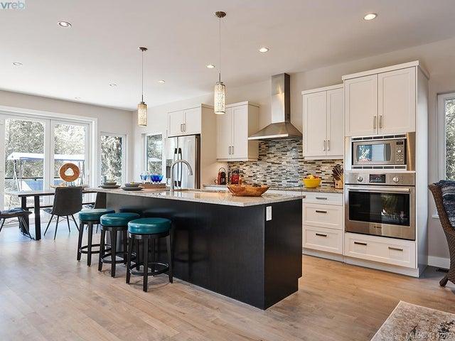 3883 Cadboro Bay Rd - SE Cadboro Bay Single Family Detached for sale, 6 Bedrooms (414269) #5