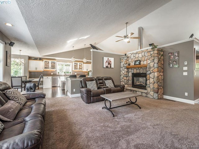 754 Lorimer Rd - Hi Western Highlands Single Family Detached for sale, 5 Bedrooms (414460) #2