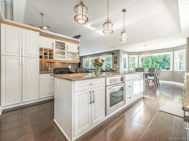 754 Lorimer Rd - Hi Western Highlands Single Family Detached for sale, 5 Bedrooms (414460) #8