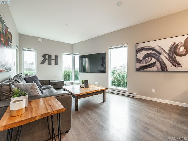 216 767 Tyee Rd - VW Victoria West Condo Apartment for sale, 1 Bedroom (421093) #1