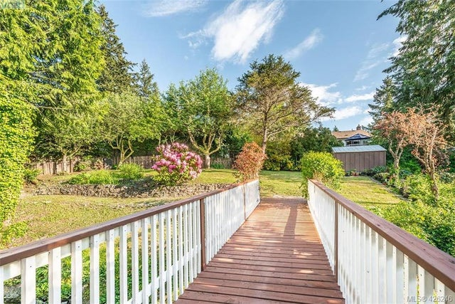 955 Sluggett Rd - CS Brentwood Bay Single Family Detached for sale, 4 Bedrooms (426246) #27