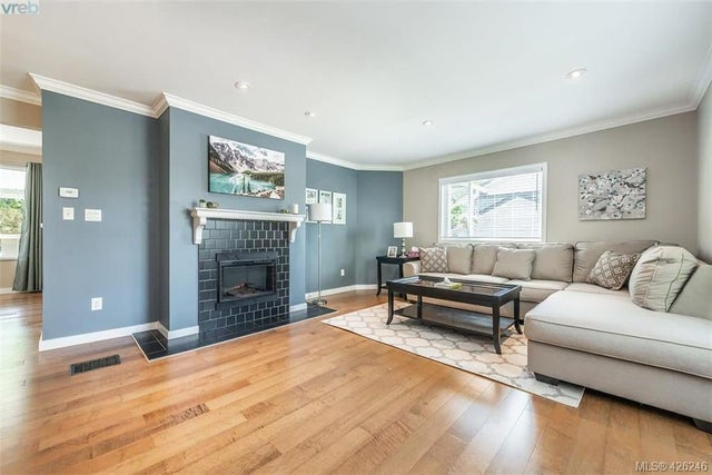 955 Sluggett Rd - CS Brentwood Bay Single Family Detached for sale, 4 Bedrooms (426246) #4