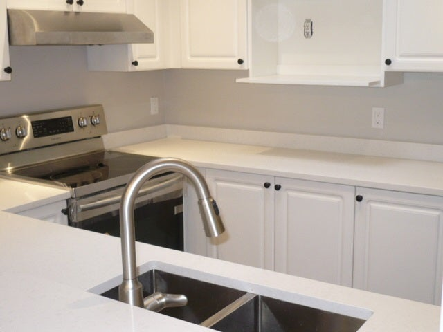 303 9763 140TH STREET - Whalley Apartment/Condo for sale, 2 Bedrooms (R2219761) #6