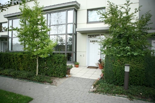 # 4 4178 Dawson Street, Burnaby Noth, Central Burnaby, Brentwood Park - Brentwood Park Apartment/Condo for sale, 1 Bedroom (V850802) #1
