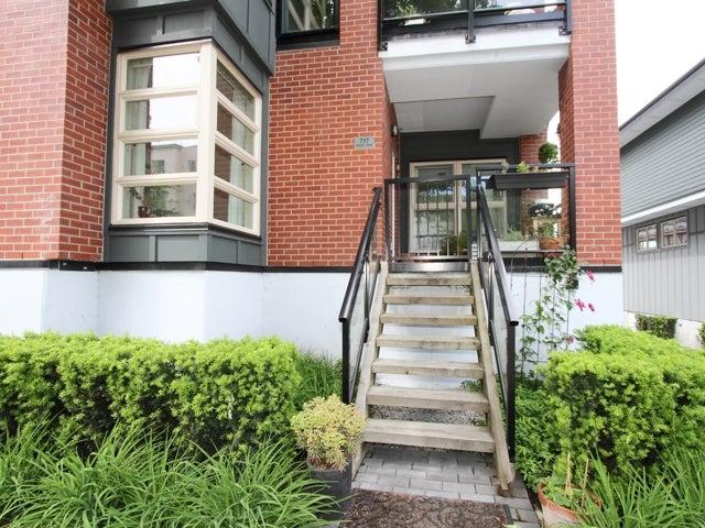 717 - East 20th Avenue Vancouver - Fraser VE Townhouse for sale, 2 Bedrooms (V1009388) #1