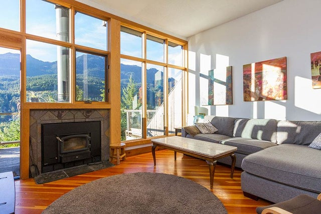 8 2221 GONDOLA WAY - Whistler Creek Townhouse for sale, 3 Bedrooms (R2210102) #1