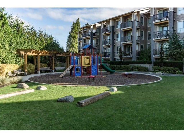 404 5655 210A STREET - Salmon River Apartment/Condo for sale, 2 Bedrooms (R2192196) #2
