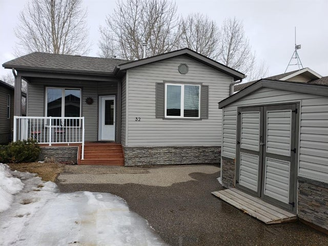 3032, 25074 South Pine Lake Road - Whispering Pines Detached for sale, 2 Bedrooms (A1061198) #1