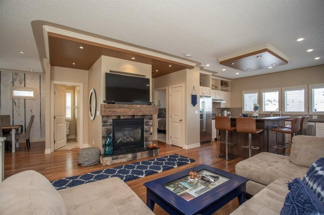 4091, 25054 SOUTH PINE LAKE Road - Whispering Pines Detached for sale, 3 Bedrooms (A1078588) #17