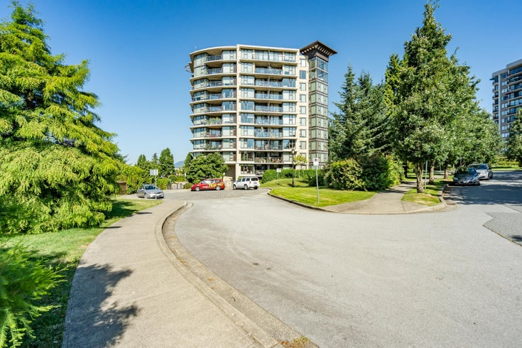 North Vancouver Penthouse for sale