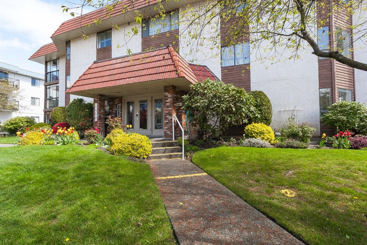 305 1458 BLACKWOOD STREET - White Rock Apartment/Condo for sale, 2 Bedrooms (R2361211)